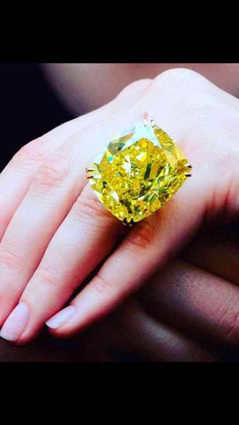 yellow gold, DIAMOND, wedding ring, whitegemstone