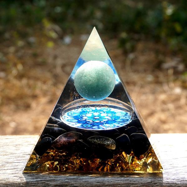 specialgiftforlover, greenaventurine, crystalsphere, energyhealing