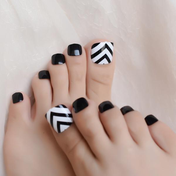 Nails, Shorts, nail tips, toefalsenail
