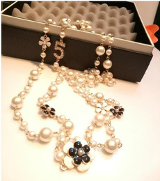 Necklace, pearls, Multi-layer, camellia