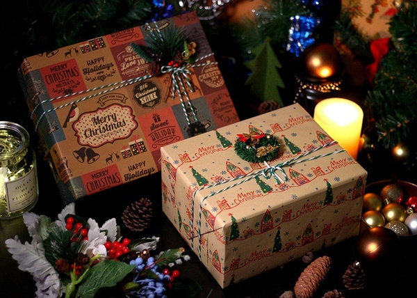 oldpeople, Christmas, Gifts, wrappingpaper