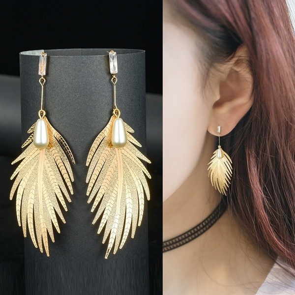 King, Fashion Accessory, Dangle Earring, Jewelry