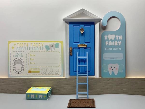 Toy, Door, Gifts, doll