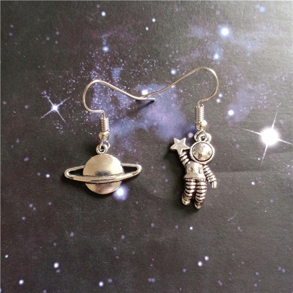 gothicearring, Dangle Earring, punk earring, spaceman