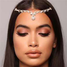 Head, Jewelry, Chain, Rhinestone
