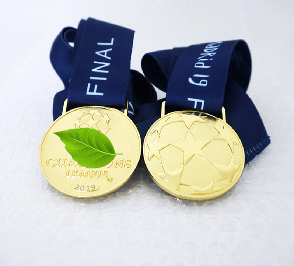 Jewelry, gold, Football, goldmedal