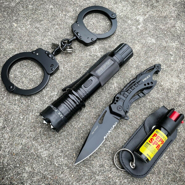 Flashlight, stungun, stungunflashlight, selfdefensetool