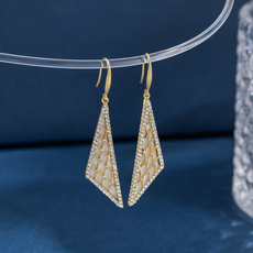 Triangles, Tassels, DIAMOND, longearing