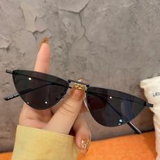 streetphotosunglasse, Women's Fashion & Accessories, Triangles, Sunglasses