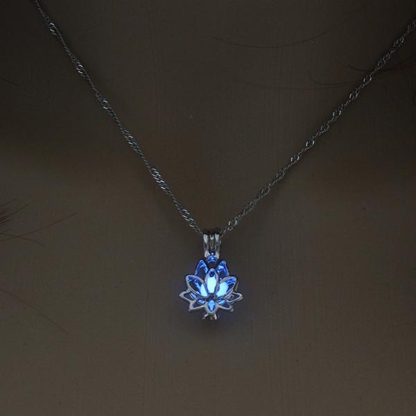 fashion women, Flowers, Jewelry, Fashion necklaces